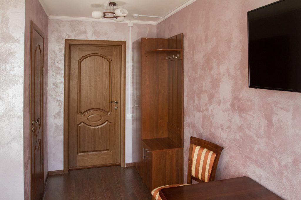 Одноместный №6 — стоимость одноместного номера 2200 руб. в сутки.